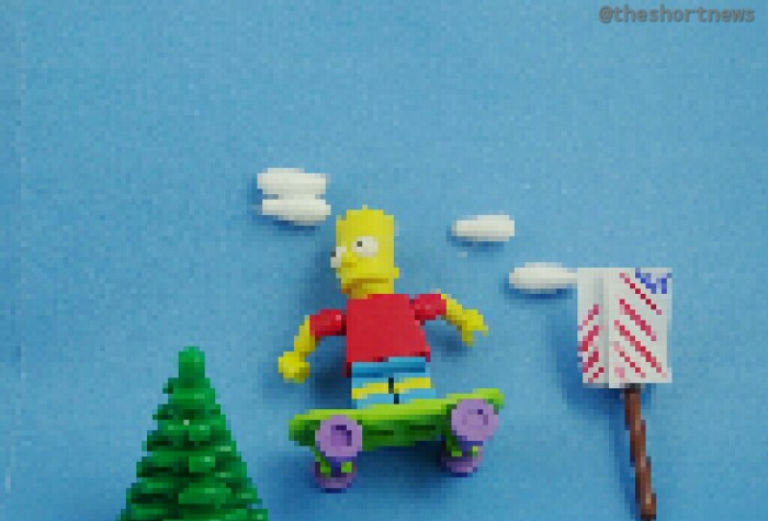 Australians Paul Robertson and Ivan Dixon have recreated the Simpsons' iconic opening sequence in pixel art!