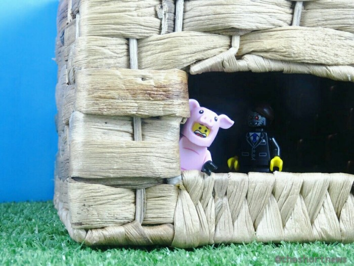 Sesame Street has created a hilarious House of Cards-style take on the Three Little Pigs story called House of Bricks.