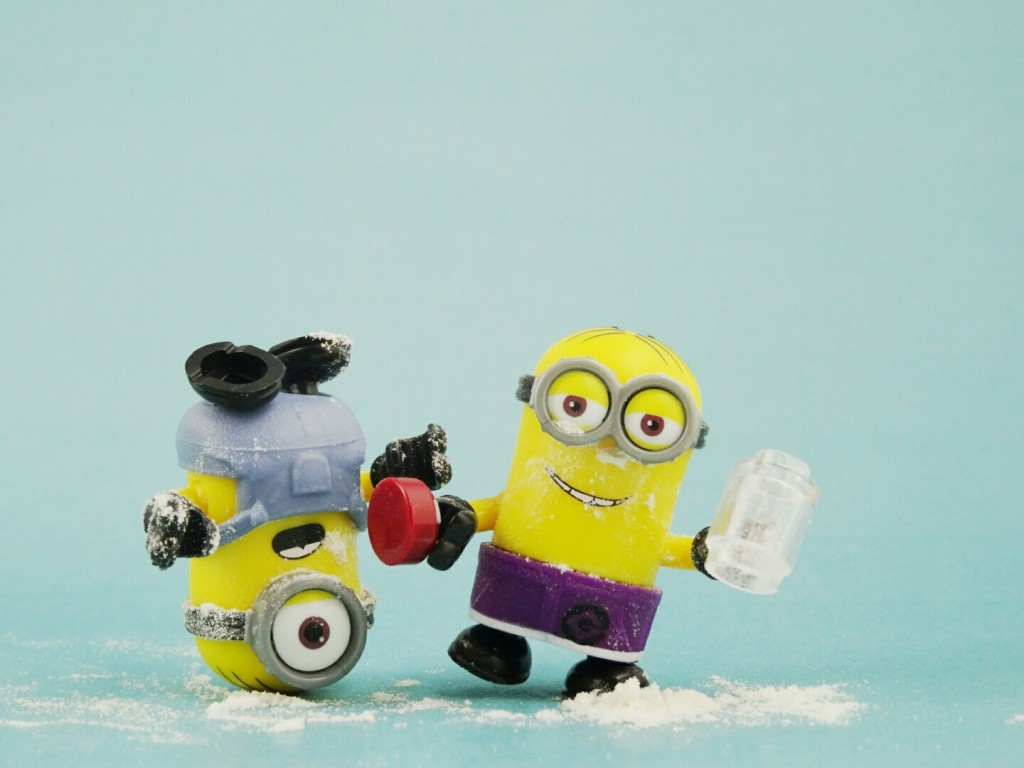 According to the NYPD, 5 people were arrested for sending cocaine in packages disguised as birthday gifts, along with a stuffed minion!