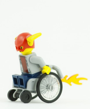 Spanish police have not been able to catch a man dubbed 'Fast and Furious', who's been spotted racing through busy Barcelona streets in his wheelchair!